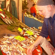 Fish shops in Kadıköy present their offerings. Here you can find wonderful recipes to prepare it.